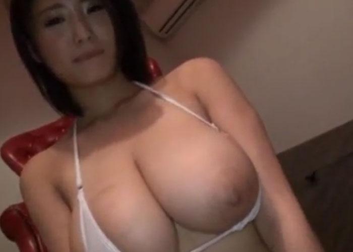 【エロ動画】ガチで入れられている!?騙され脱がされた爆乳グラドル(*゚∀゚)=3