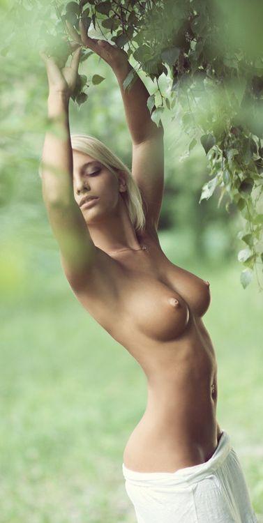 【巨乳エロ画像】恵まれ過ぎだろうって…綺麗でエッロいスレンダー巨乳(;´∀`)