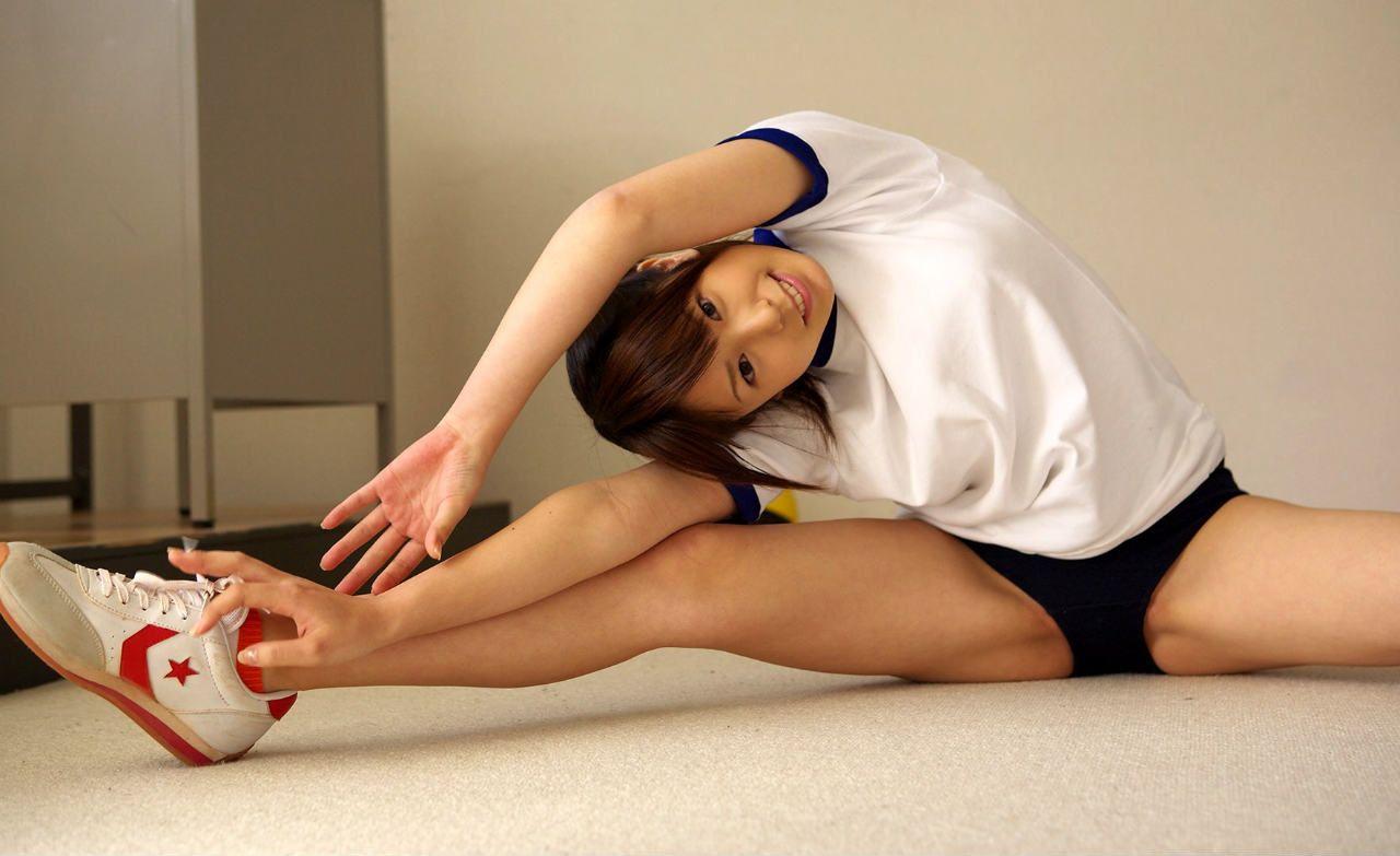 【体操服エロ画像】昔懐かしい体育の授業を思い出す!体操服+ブルマの女の子!