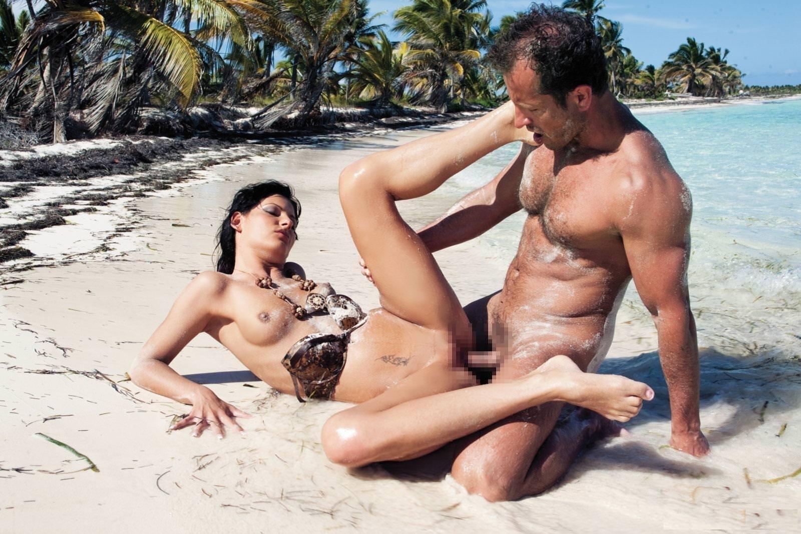 【海外青姦エロ画像】海外カップルたちによる青姦画像集めたったwww