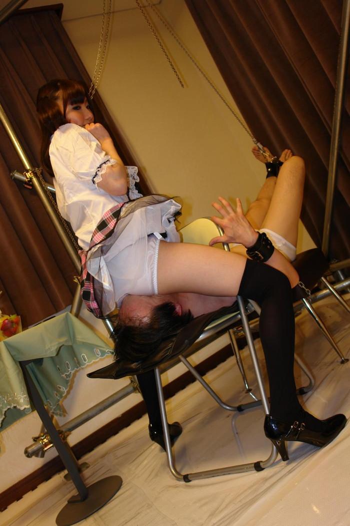 【顔面騎乗エロ画像】息苦しいほどに顔面にオマンコを押し付けられるオマンコにフル勃起! 13