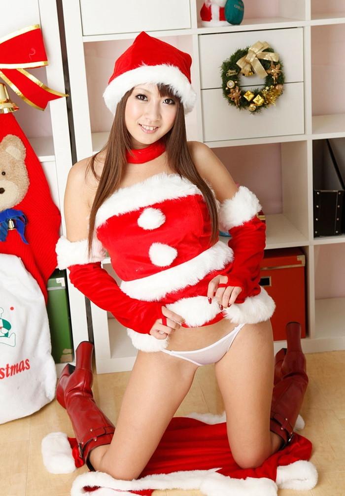 【サンタコスプレエロ画像】こんなサンタがクリスマスにやってきたらどうする? 06