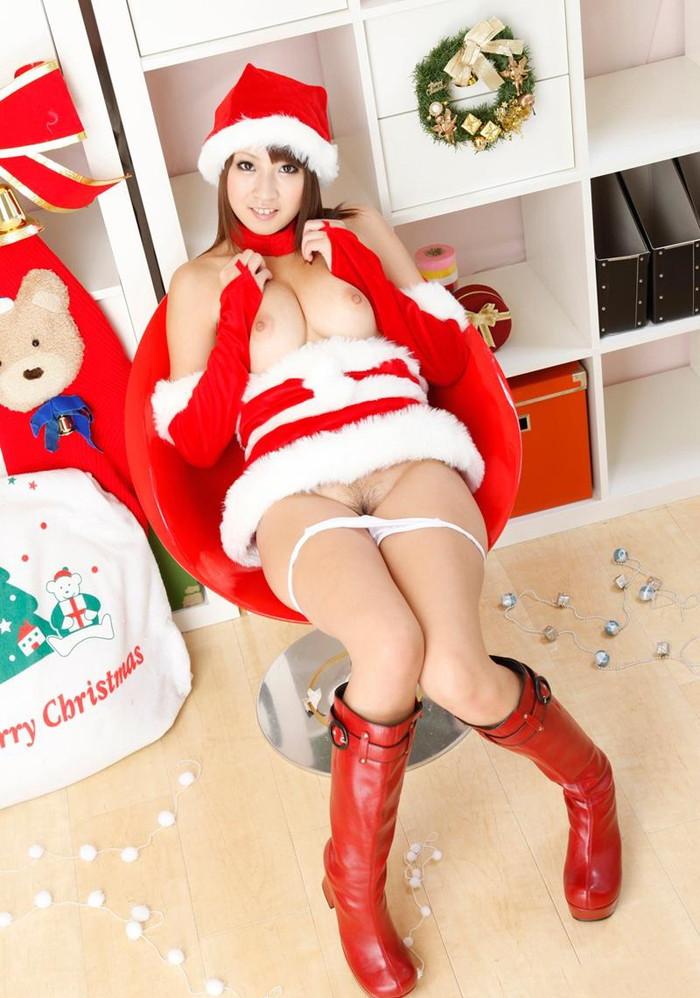 【サンタコスプレエロ画像】こんなサンタがクリスマスにやってきたらどうする? 22