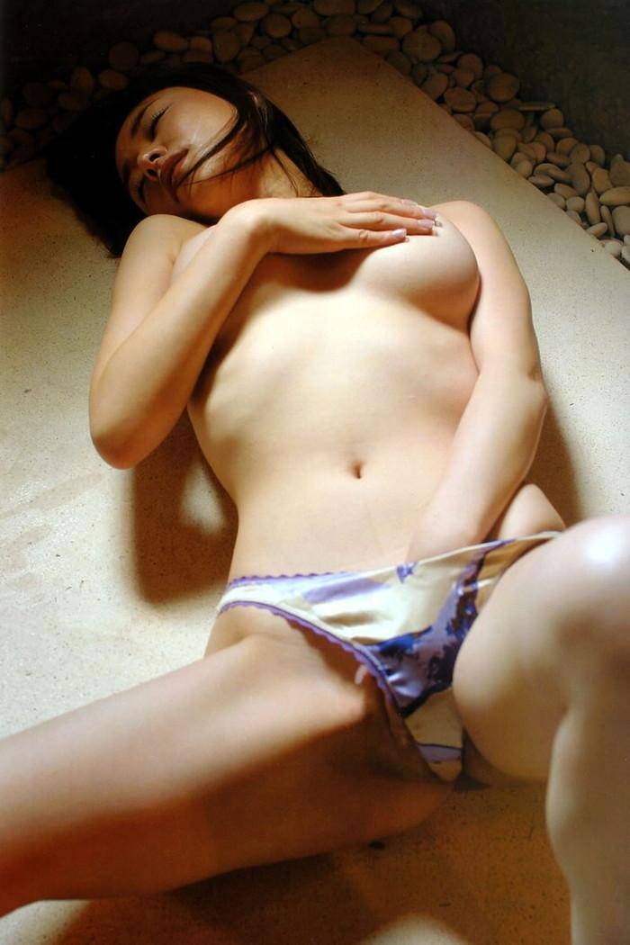 【指オナニーエロ画像】自らの指で自らの性器を弄び快感を貪る指オナニー 03